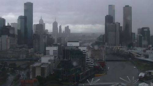 Damaging winds and heavy rain expected as storm front moves over Melbourne