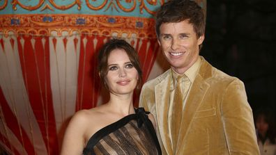 2 Felicity Jones Eddie Redmayne
