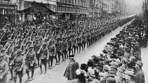 Australian soldiers parading through Melbourne on the eve of deployment. (Getty)