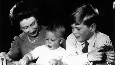 Royal pregnancies: Queen Elizabeth with Princes Andrew and Edward