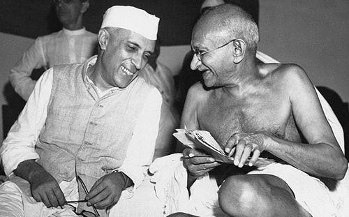Desfor's work included Indian statesmen Mohandas Gandhi, left, and  Jawaharlal Nehru/ (AP).