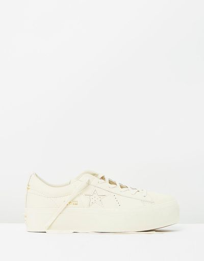 "<a href=""https://www.theiconic.com.au/one-star-platform-women-s-540641.html"" target=""_blank"">Converse One Star Women's Platform, $160</a>"