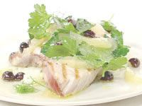Grilled tuna with parsely, lemon and olive oil