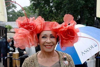 """Coming through!<br/><br/>RELATED: <a href=""""http://celebrities.ninemsn.com.au/slideshow_ajax.aspx?sectionid=8847&sectionname=slideshowajax&subsectionid=7776183&subsectionname=horsefacedcelebs"""">Celebrities who look like horses</a>"""