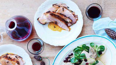 "<a href=""http://kitchen.nine.com.au/2016/05/16/13/21/justin-north-glazed-ham-in-a-bag"" target=""_top"">Justin North's glazed ham in a bag</a><br /> <br /> <a href=""http://kitchen.nine.com.au/2016/12/02/10/16/fresh-festive-recipes-for-entertaining"" target=""_top"">More festive 'bring a plate' recipes</a>"