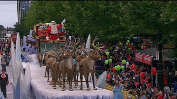 Thousands prepare for Adelaide's iconic Christmas Pageant
