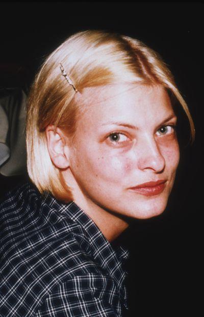Linda Evangelista backstage in 1990.