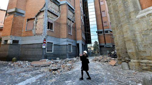 Villages left deserted after residents flee quake-hit central Italy