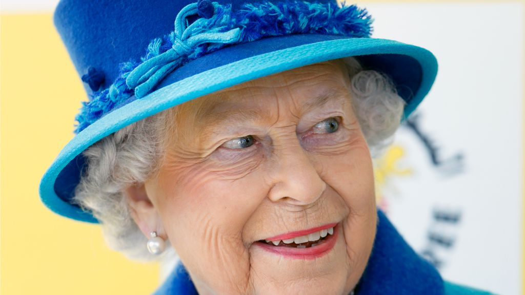 Meeting the Queen: the Queen's senior aides have called emergency meeting at Buckingham Palace. Image: Getty
