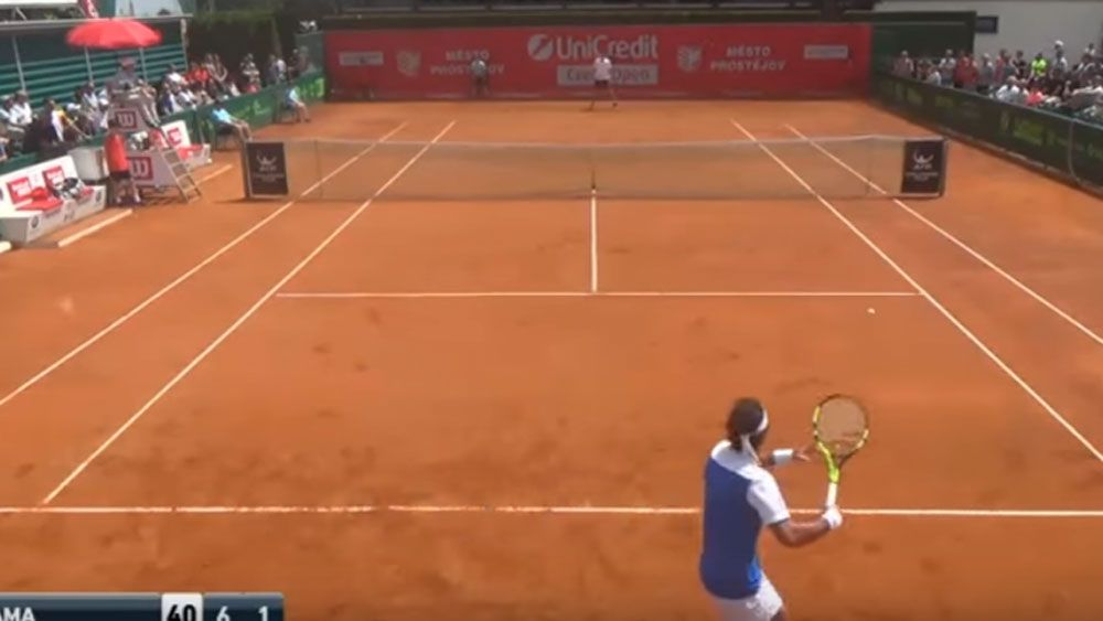 Tennis player loses point for mocking grunting rival