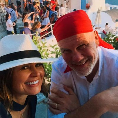 <p>Lisa Wilkinson and Peter FitzSimmons</p> <p>Married for 25 years.</p>