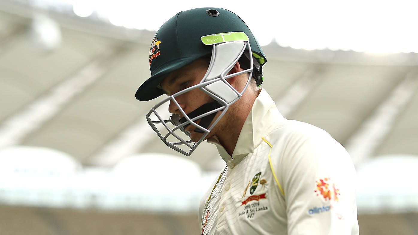 Shane Warne calls for Peter Handscomb to be dropped after second-innings failure