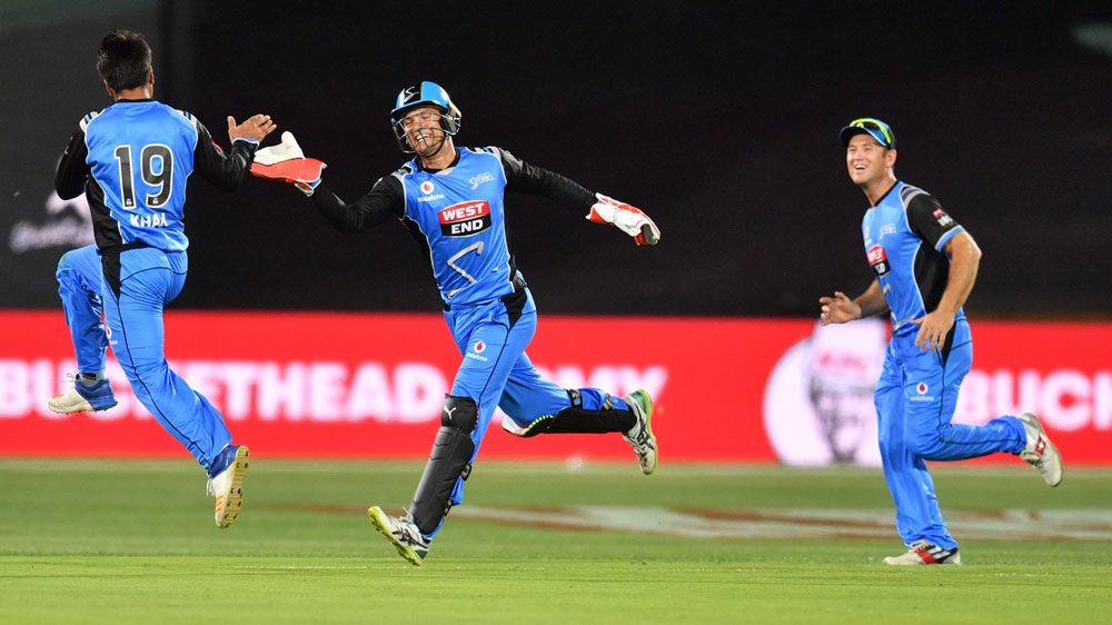 Rashid helps Strikers sink Thunder in BBL