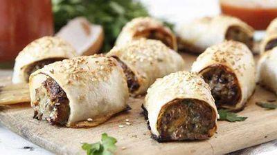 """<a href=""""http://kitchen.nine.com.au/2016/05/04/15/23/brooke-merediths-healthy-sausage-rolls"""" target=""""_top"""">Brooke Meredith's healthy sausage rolls</a> recipe"""