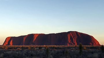 A Japanese person has died while climbing Uluru. (AAP)