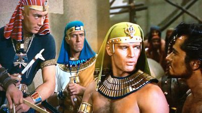 Charlton Heston and Yul Brynner in <em>The Ten Commandments</em>