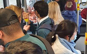 'It was shocking': Photo shows packed Sydney bus during morning peak hour amid mask warning
