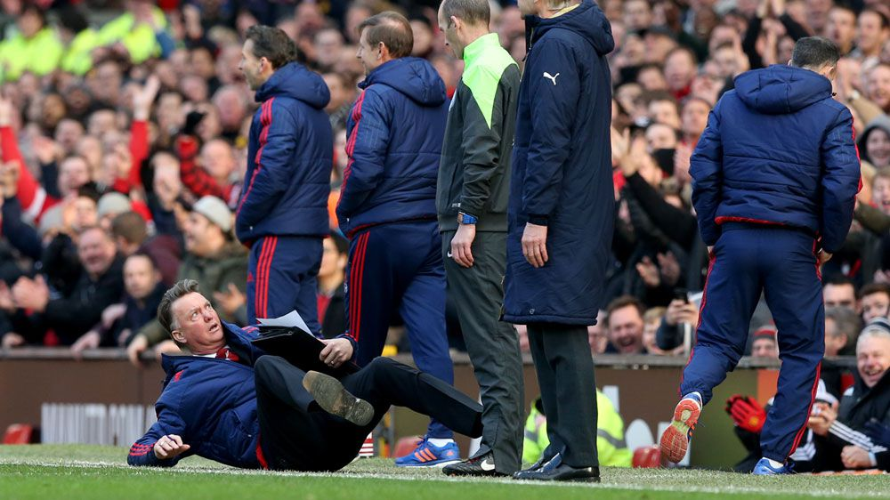 Van Gaal apologises for touchline dive