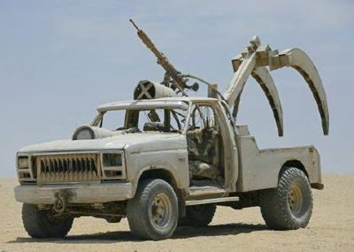 Sabre Tooth: F250 Claw Car