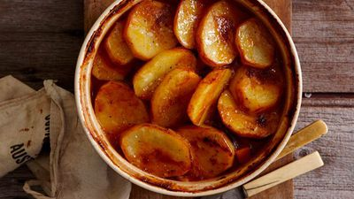 "Recipe: <a href=""http://kitchen.nine.com.au/2016/05/16/18/19/onepot-perfection-lamb-hot-pot"" target=""_top"">Lamb and potato hot pot</a>"