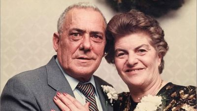Mr Fortuna died in a nursing home in Connecticut in December last year. Within minutes his wife who was suffering from chronic obstructive lung disease died too.