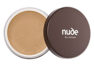 "<a href=""https://nudebynature.com.au/shop/make-up/top-products/best-sellers/natural-mineral-cover-3/"" target=""_blank"">Loose Mineral Power, $39.95, Nude by Nature</a>"