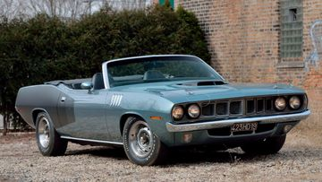 One-of-one 1971 Plymouth Hemi Cuda to smash records