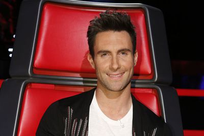 Too bad the Maroon 5 frontman doesn't appear on <i>The Voice</i> sans topping.