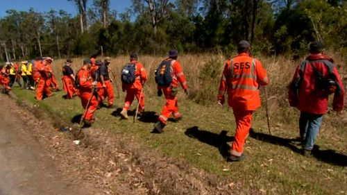 Hundreds of emergency services workers and volunteers are combing the search area. (9NEWS)