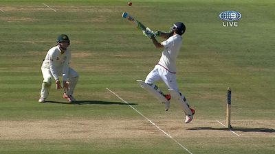 Moeen Ali fends off Johnson bouncer