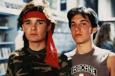 Way before Edward and Bella were locking lips and making vampire babies in <i>Twilight</i>, <i>The Lost Boys</i> explored teenage troubles through the realm of vampires in the real world. Jason Patric and the two Coreys (Haim and Feldman) battle blood-sucking gang-leader Kiefer Sutherland, who's a much scarier vampire than R-Pattz could ever be!
