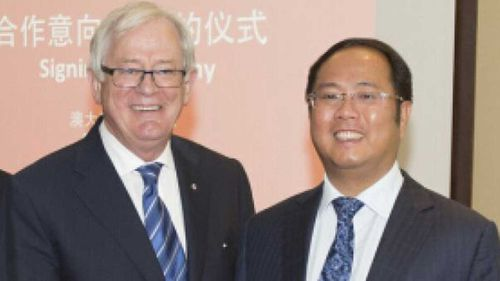 Former Trade Minister Andrew Robb with Huang Xiangmo.