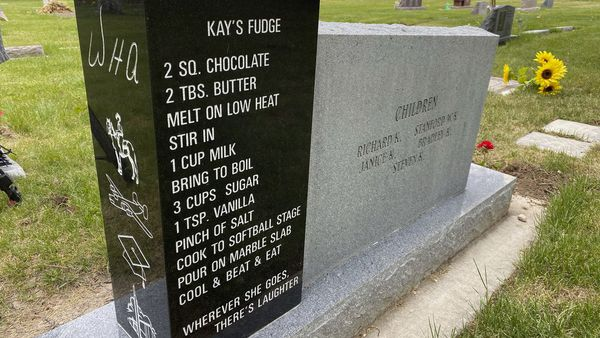 Fudge recipe scrolled on woman's tombstone