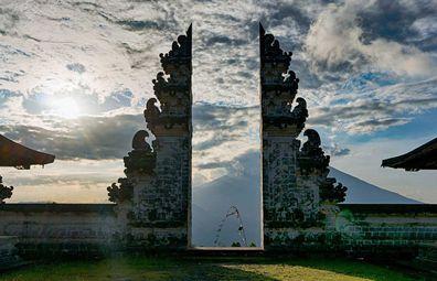 Gates of Heaven, Lempuyang Temple