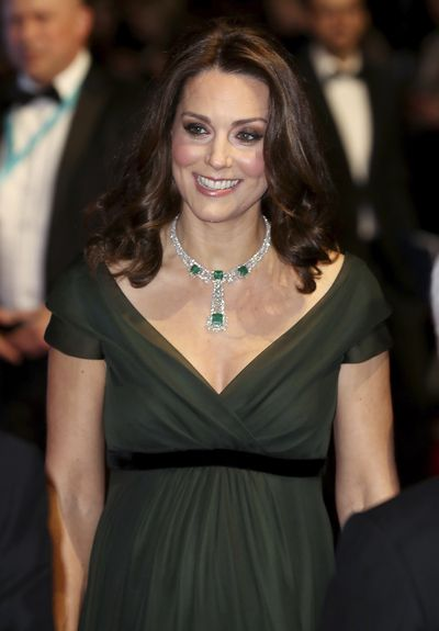 <strong>BAFTAs 2018: Kate Middleton thwarts black trend with green dress</strong>