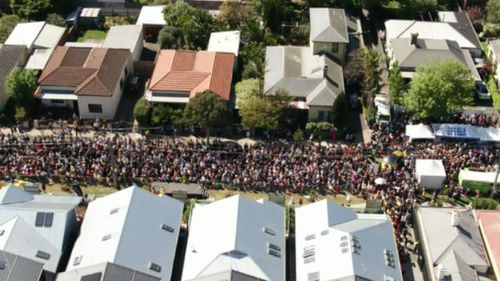 Hundreds of people attended the open day for the five Block houses in Elsternwick. (9NEWS)