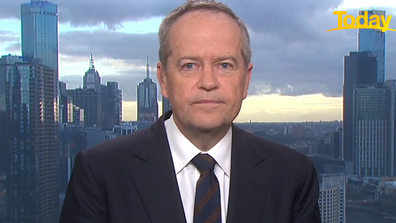 Bill Shorten has backed a new Qantas rule, which will move to forbid unvaccinated travellers from flying.
