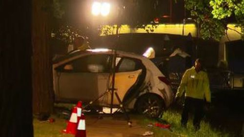 Car recovered from Melbourne's Yarra river