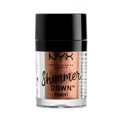 "Get Tracy's look with <a href=""http://https://www.priceline.com.au/cosmetics/eyes/eyeshadow/nyx-professional-makeup-shimmer-down-pigment-1-5-g"" target=""_blank"" title=""NYX Professional Makeup Shimmer Down Pigment 1.5g, $11.95"">NYX Professional Makeup Shimmer Down Pigment 1.5g, $11.95</a>"