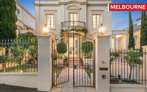 MELBOURNE: 4 bedroom home up for auction at Toorak on Super Saturday (SUPPLIED)