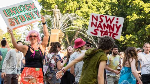 Protesters in Kings Cross at a rally opposing Sydney's lockout laws. (AAP)