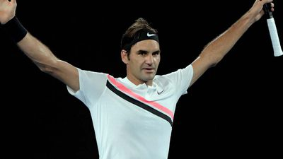 Roger Federer puts on a show against Gasquet to cruise into fourth round