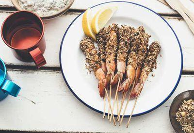 Barbecue prawns with macadamia dukkah
