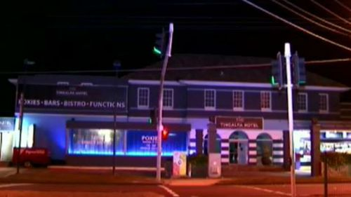 Pickaxe-wielding thieves who held up Brisbane pub may be linked to other robberies