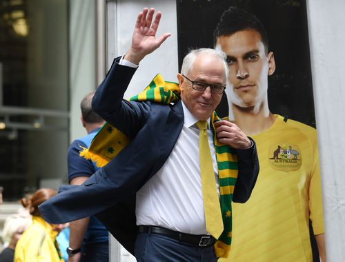 Mr Turnbull congratulated the team at an event in Martin Place this morning. (AAP)
