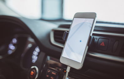 iPhone in car using maps with no reception