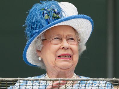 Queen Elizabeth II attends Derby Day 2016 .