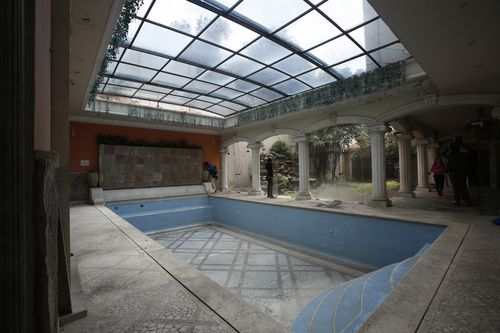 The pool in the mansion of Mexican Chinese businessman Zhenli Ye Gon.