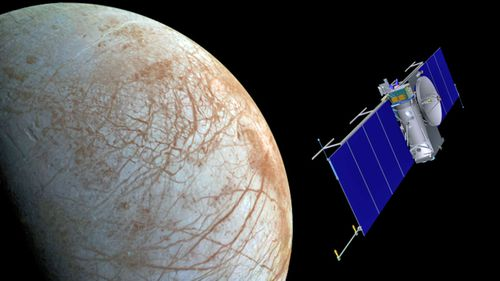 An artist image of the planned NASA space mission to fly over the Jupiter Moon Europa. (Image: NASA).