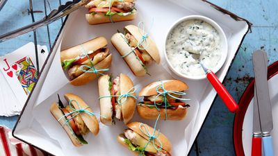 """<a href=""""http://kitchen.nine.com.au/2016/05/16/15/35/portuguese-slider-burgers"""" target=""""_top"""">Portuguese slider burgers</a>"""